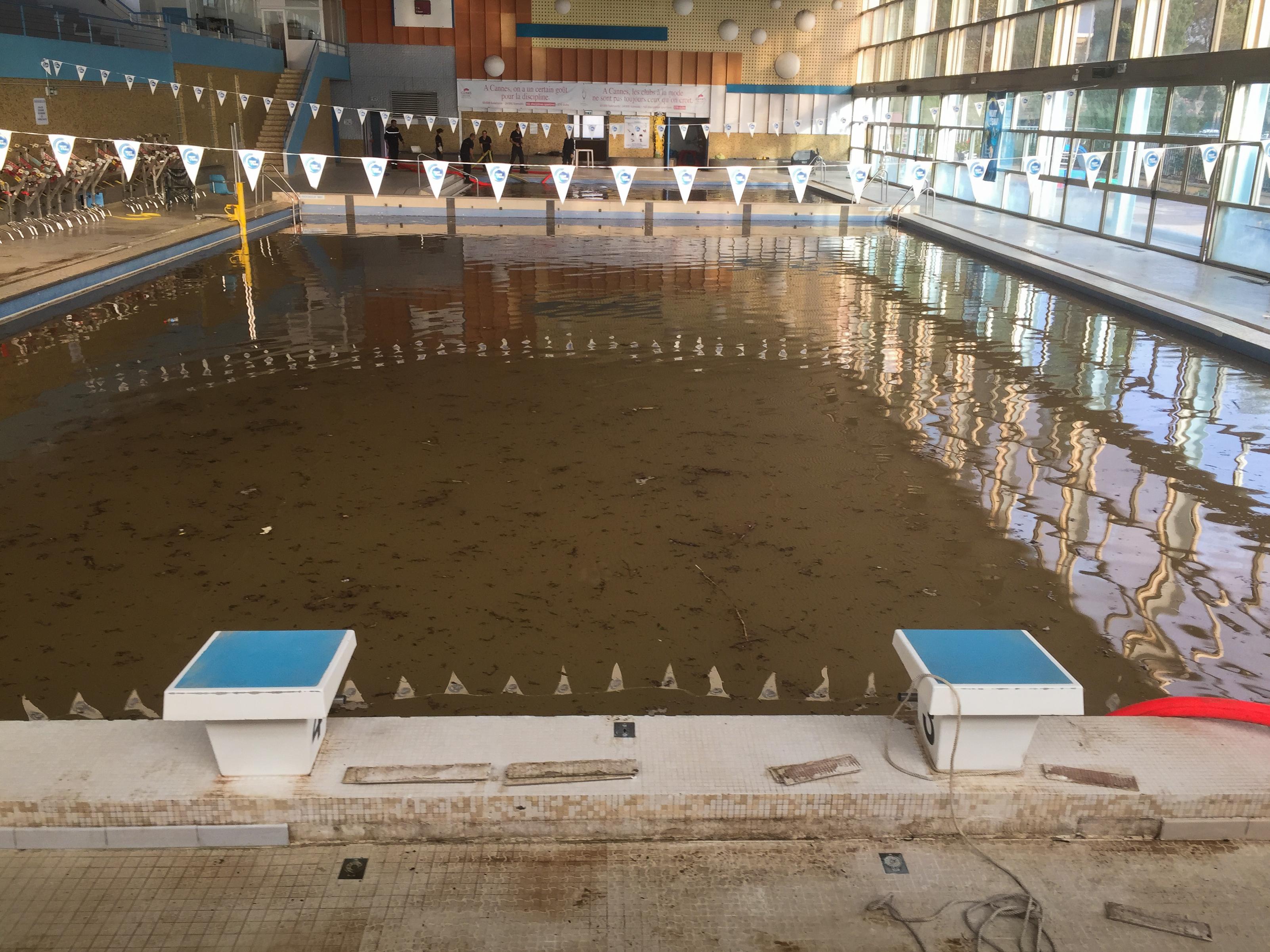 Inondations dans les alpes maritimes le sdis 04 en renfort for Cannes piscine municipale